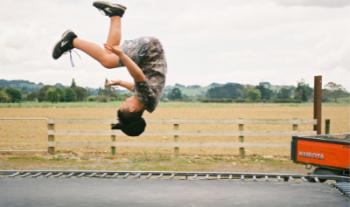 Win een Decathlon trampoline van 3m65cm