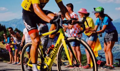 Win Tour de France 2021 op pc